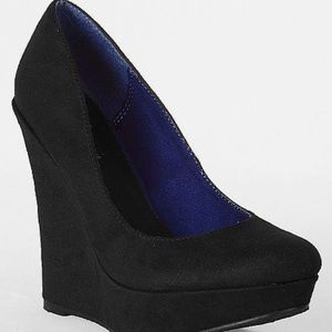 Black wedge platform heels